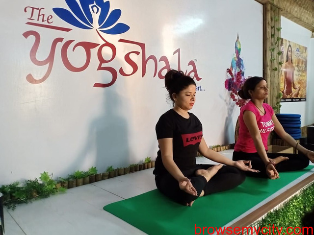 Home Yoga Classes in Ghaziabad - 1/1