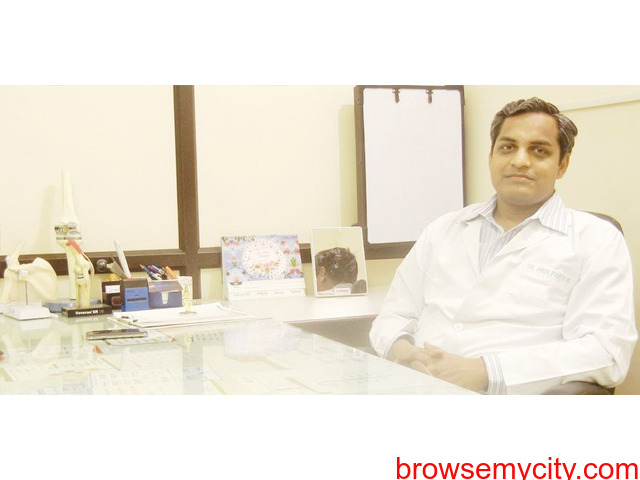 Dr.Arun Partanispecializes in Total Knee replacement surgery in Jaipur. - 4/6