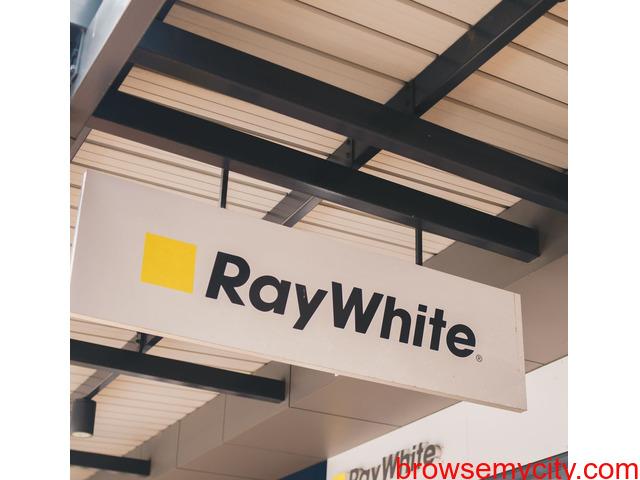 Real estate agent Narre Warren South, Ray White Narre Warren South - 2/5