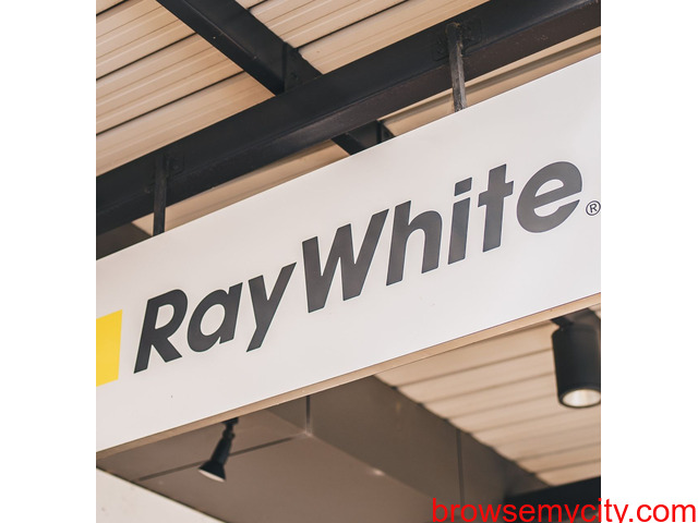 Real estate you're getting experts with a local feel largest property group in Australasia. - 2/2