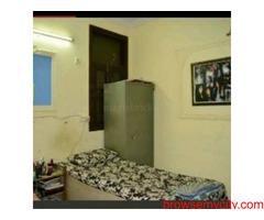 PG available in govindpuri for girls