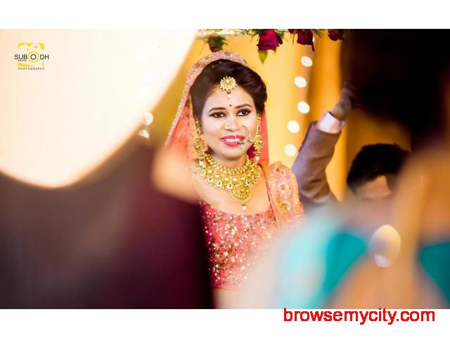 Hire a Best Photographers for your Weddings - 5/6