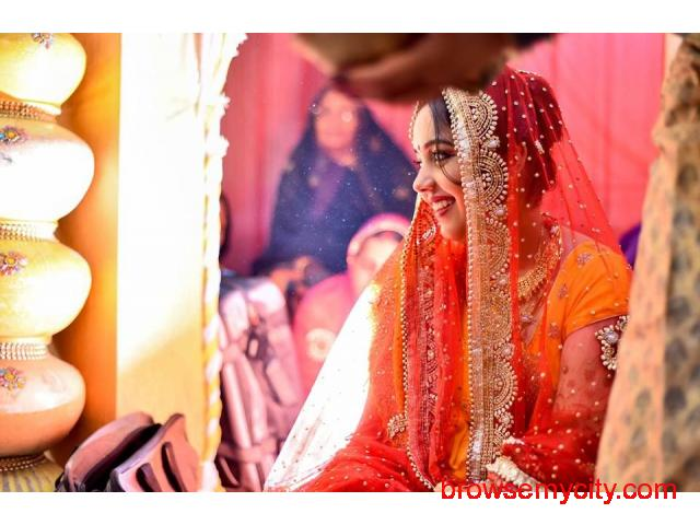 Hire a Best Photographers for your Weddings - 6/6