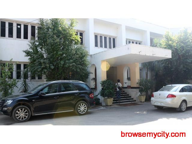 Get Hotel Sarovar (RTDC) in,Pushkar with Class Accommodation. - 1/4