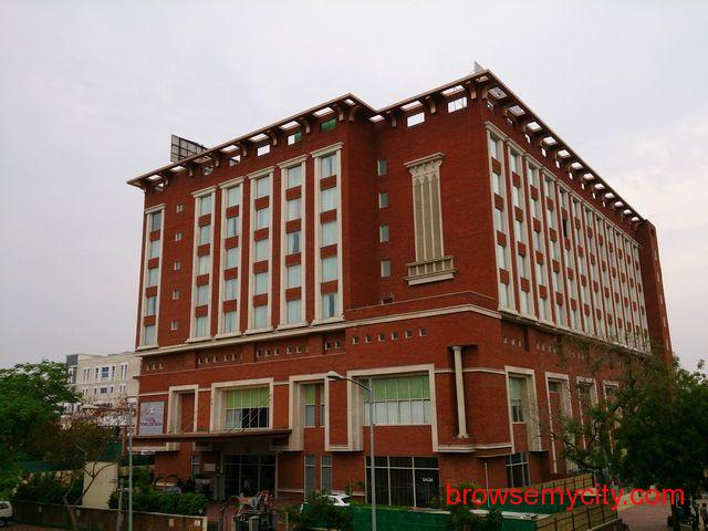 Get Hotel Royal Orchid (Jaipur) in,Jaipur with Class Accommodation. - 1/4