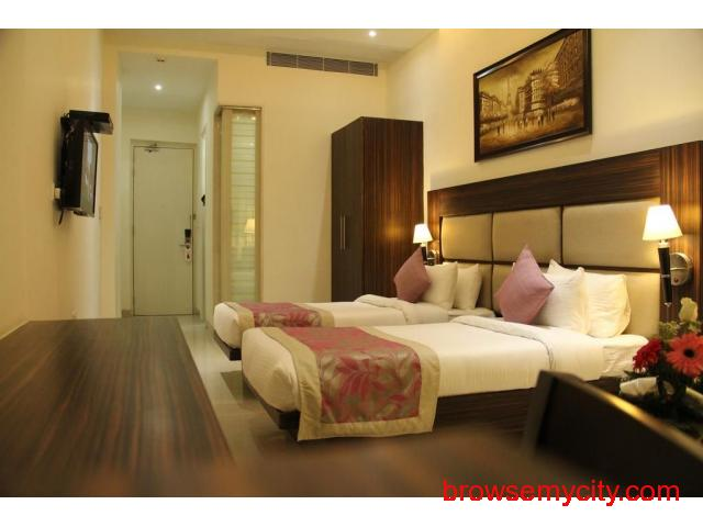 Get Bhawna Clarks Inn in,Agra with Class Accommodation. - 2/3