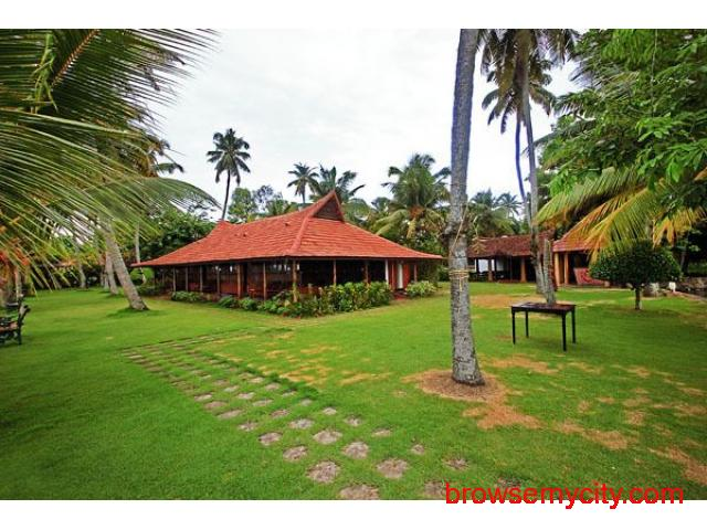 Get Kayaloram Heritage Lake Resort in,Alleppey with Class Accommodation. - 1/4