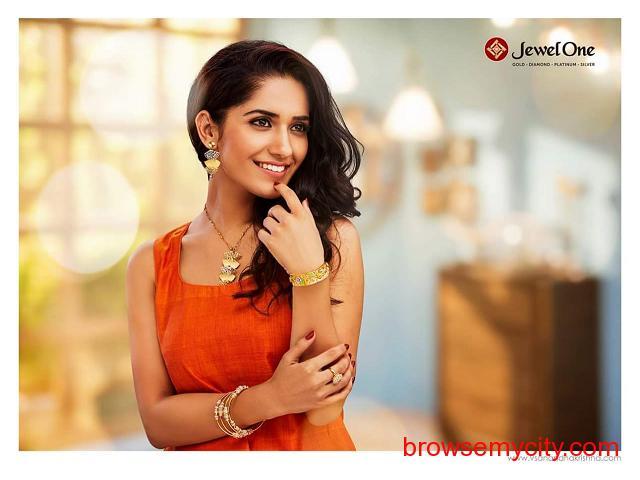 Celebrity Makeup Artist In Madurai - 2/3