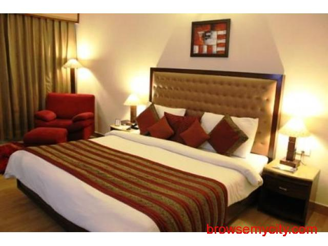 Get Hotel Golden Tulip (Grand Legacy) in,Amritsar with Class Accommodation. - 2/4