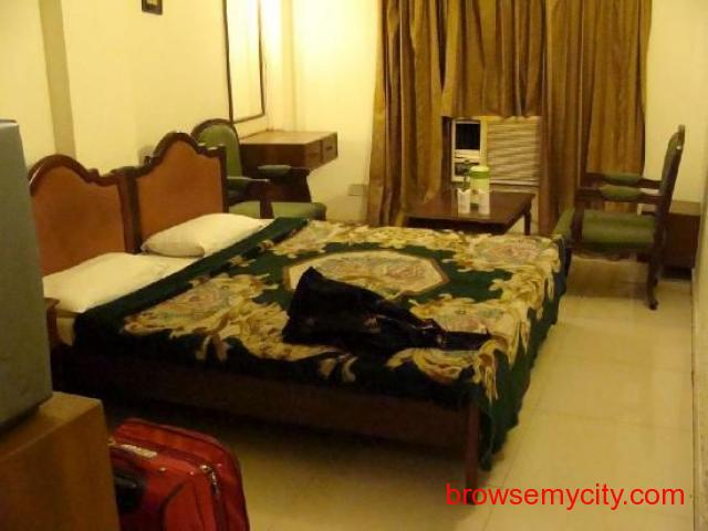 Get Hotel Golden Tower in,Amritsar with Class Accommodation. - 2/4