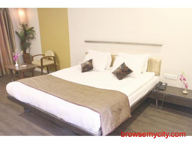 Get Aurangabad Gymkhana Club in,Aurangabad with Class Accommodation. - 2/4