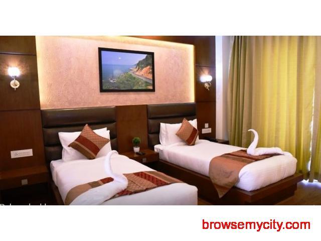 Get Lavanya Clarks Inn in,Bhimtal with Class Accommodation. - 3/4