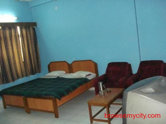 Get Ajatsatru Hotel in,BodhGaya with Class Accommodation. - 2/4