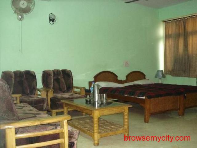 Get Ajatsatru Hotel in,BodhGaya with Class Accommodation. - 3/4